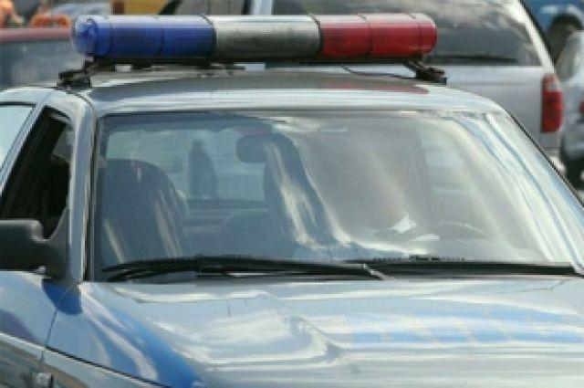 По факту смерти полицейского в ДТП проводится служебная проверка.