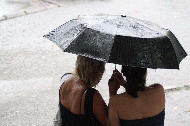 Без зонта из дома лучше не выходить.