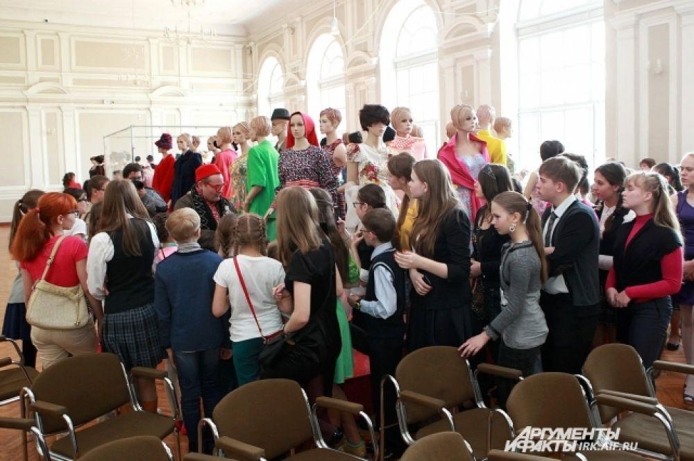 Не удевительно, что во время встречи зрители создали большой ажиотаж.