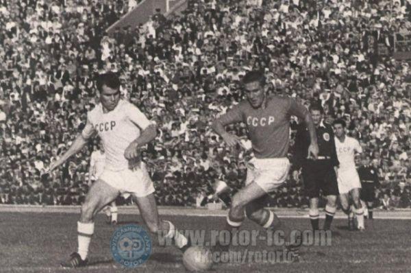 Первым крупным событием на Центральном стадионе стал товарищеский матч по футболу между национальной сборной СССР и олимпийской командой нашей страны 27 сентября 1962 года.