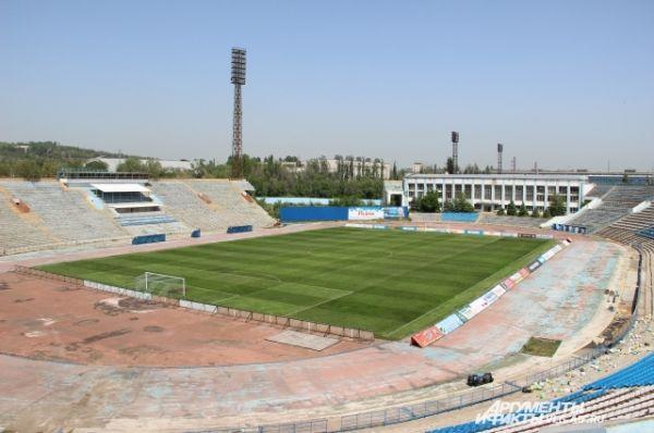 В разные годы с речью на Центральном стадионе Волгограда выступали Фидель Кастро и Никита Сергеевич Хрущев.