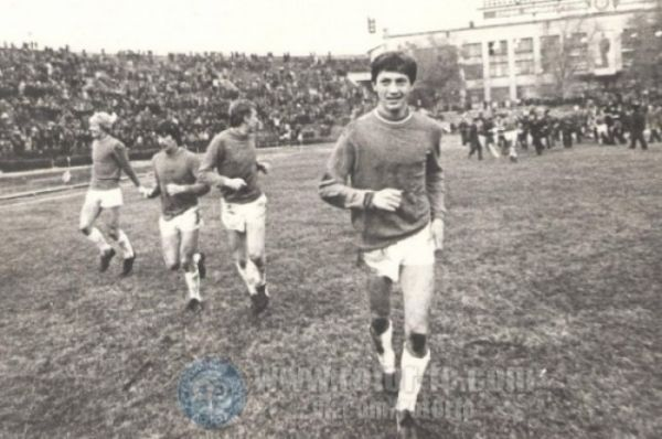 В 1981 году, переиграв на Центральном стадионе «Динамо» из Барнаула, «Ротор» впервые в истории вышел в Первую лигу СССР. Для города это стало настоящим праздником.