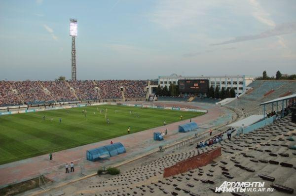 Последний матч на Центральном стадионе посетило 13 100 зрителей.
