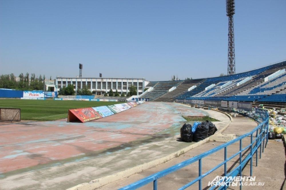 С 2012 года «Ротор» матч за матчем стал устанавливать рекорды посещаемости в ФНЛ.
