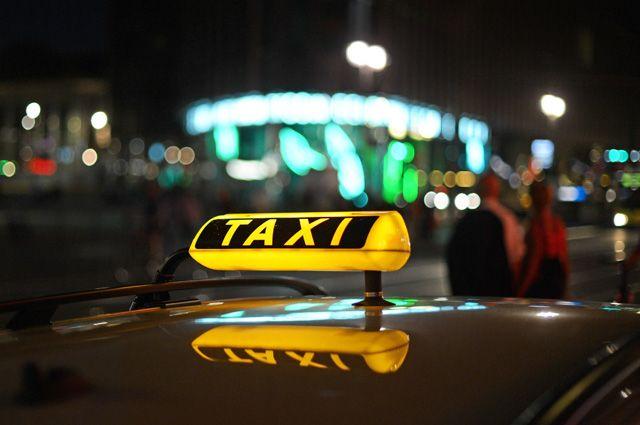 Автомобиль пропавшего без вести таксиста нашли в лесном массиве.