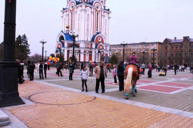 Комсомольская площадь - здесь и соберутся хоры Хабаровска