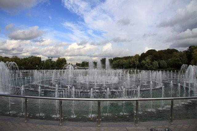 Светомузыкальный фонтан в Царицыно.