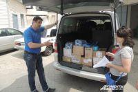 Волонтер Олег привез очередную партию лекарств и раций