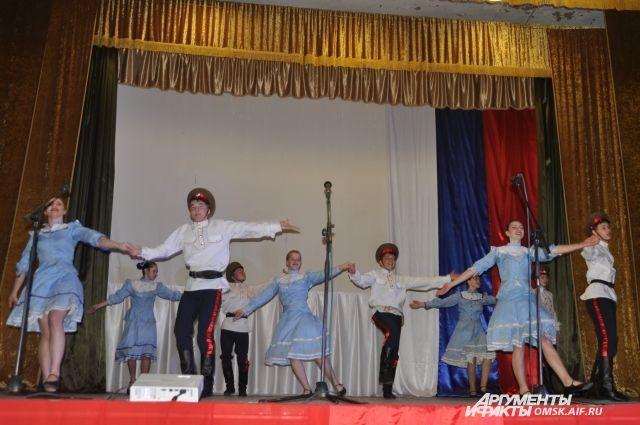 Омские казаки выступают в фольклорных коллективах.