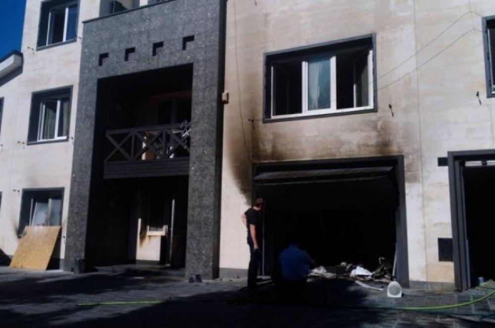 В Днепропетровске сожгли дом, гараж и автомобиль Царева
