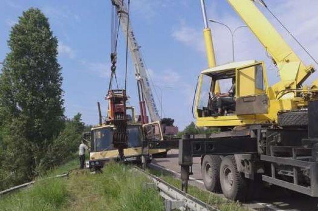 ДТП с автокраном под Киевом