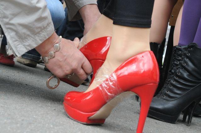 В Омске прошёл очередной забег на каблуках.