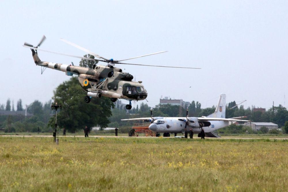 Военные самолеты в Николеве