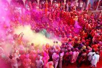 Холи — ежегодный популярный индуистский праздник весны.