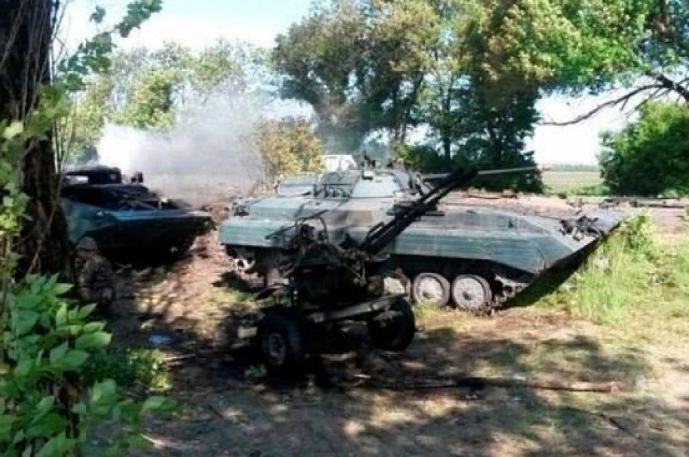 Разгромленная военная техника под Волновахой
