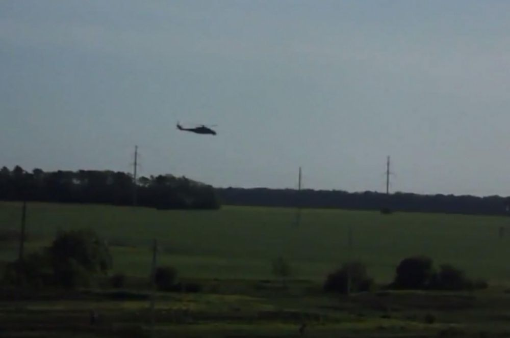 Вертолет над Волновахой