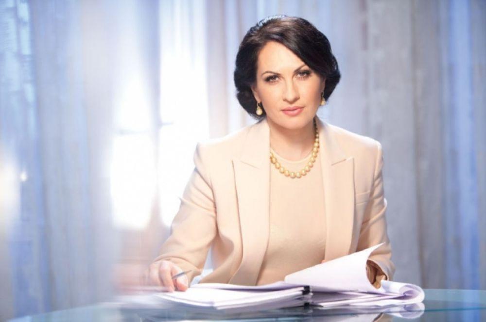Оксана Калетник - народный депутат Украины, член депутатской фракции КПУ, первый заместитель Председателя Комитета Верховной Рады Украины по вопросам бюджета.