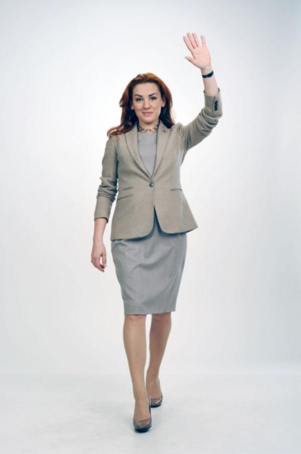 Леся Оробец - народный депутат Украины 6 и 7 созывов (с 2007 года). Ранее была членом партии ВО «Батькивщина», покинула партию 26 марта 2014.