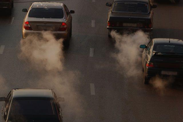 Токсичность выхлопов авто начали проверять в Иркутске.
