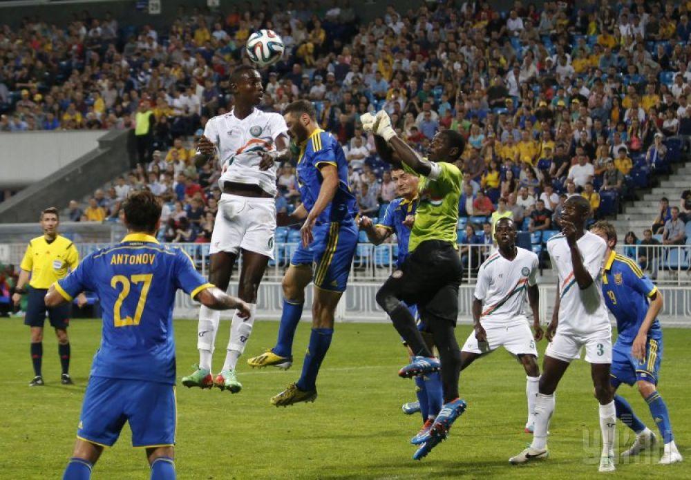 Украинцы создали опасный момент у ворот сборной Нигера