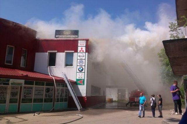 Пожар в торговом центре на автовокзале