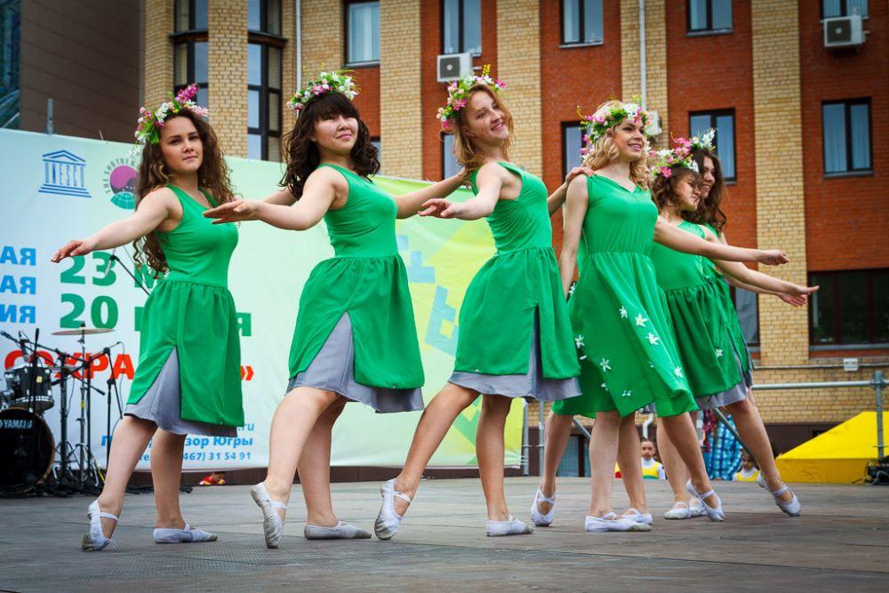 А также танцоры города показали свои лучшие номера.