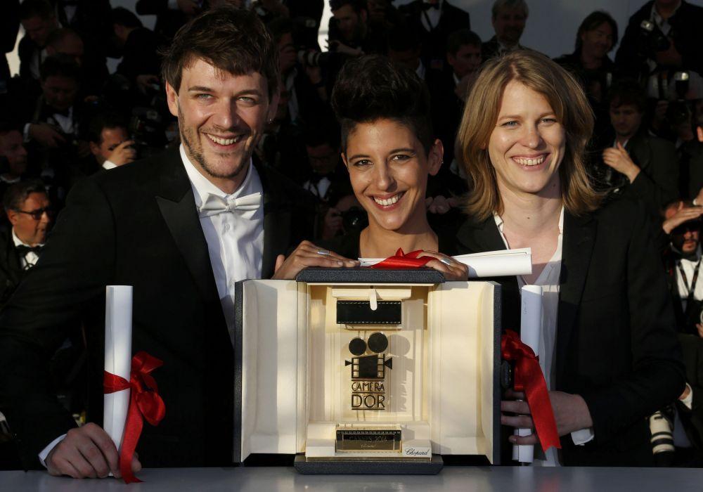 Тандем из трех режиссеров - Мари Амашукели, Клер Бюргер и Сэмюэл Тейс  - получил приз дебютантов «Золотая камера» за картину «Тусовщица».