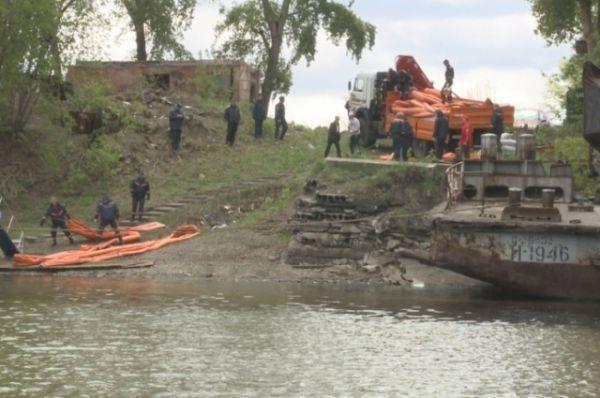 Разлив нефтепродуктов произошел 25 мая в районе 11 часов утра.