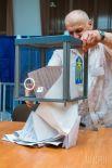 Подсчет голосов на избирательном участке в Харькове