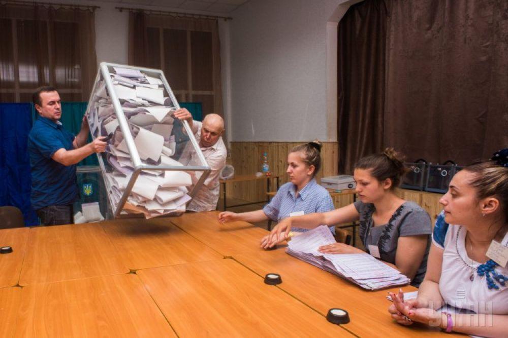 Членам избирательных комиссия предстоит долгая работа