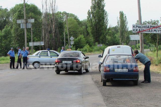 ГАИ на месте обстрела КамАЗов под Красноармейском