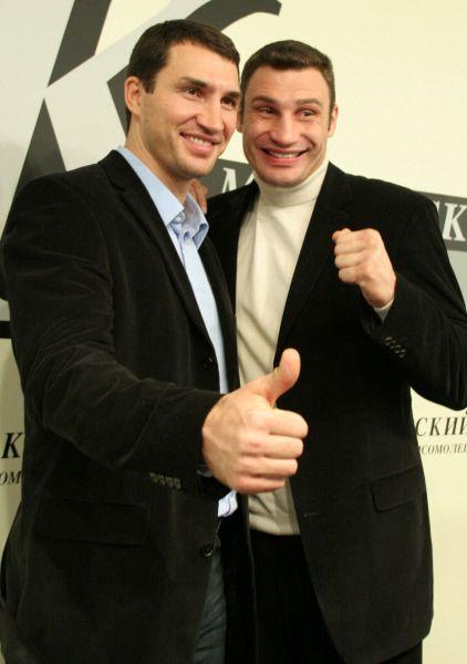 В 2003 году Виталий Кличко вместе с братом Владимиром основали благотворительную организацию «Фонд братьев Кличко».