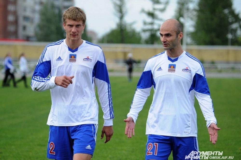 Футболисты омского «Иртыша» проиграли «Амуру» со счетом 1:3.