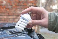 За несанкционированный выброс лампочек омичам придется платить штрафы.