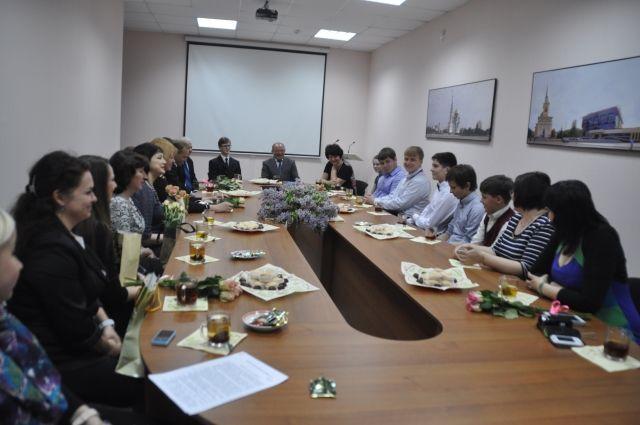Участники Дельфийских игр встретились с министром культуры Омской области.