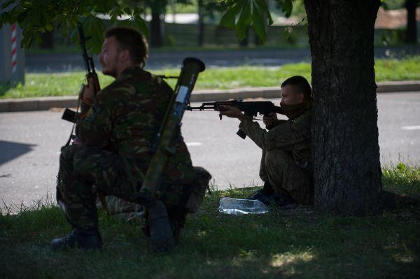 На вооружении у боевиков имеются АМК и гранатометы