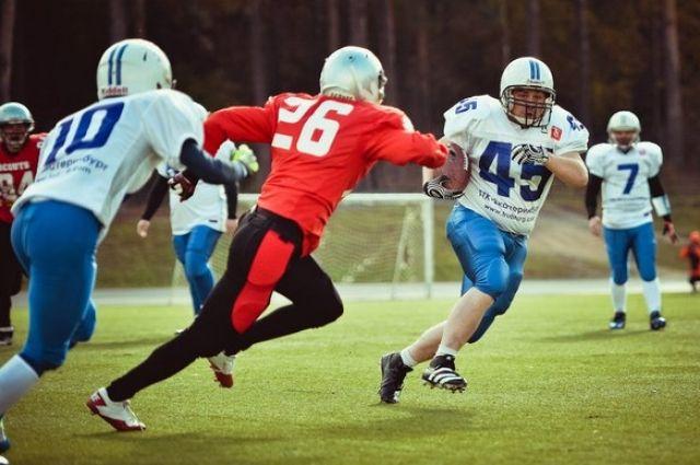 На Центральном стадионе Екатеринбурга сыграют в американский футбол