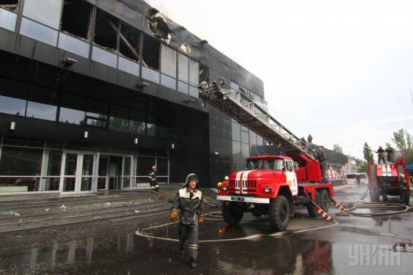 На месте происшествия работали несколько бригад огнеборцев