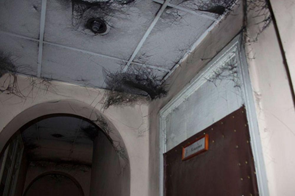 Сажа на потолке здания типографии в Измаиле