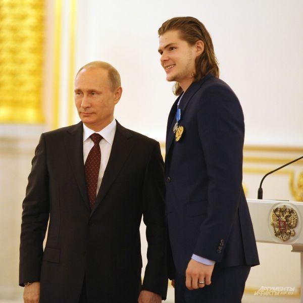 Внук знаменитого тренера, Виктор Тихонов младший.