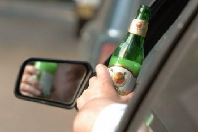 За рулём пить преступно!