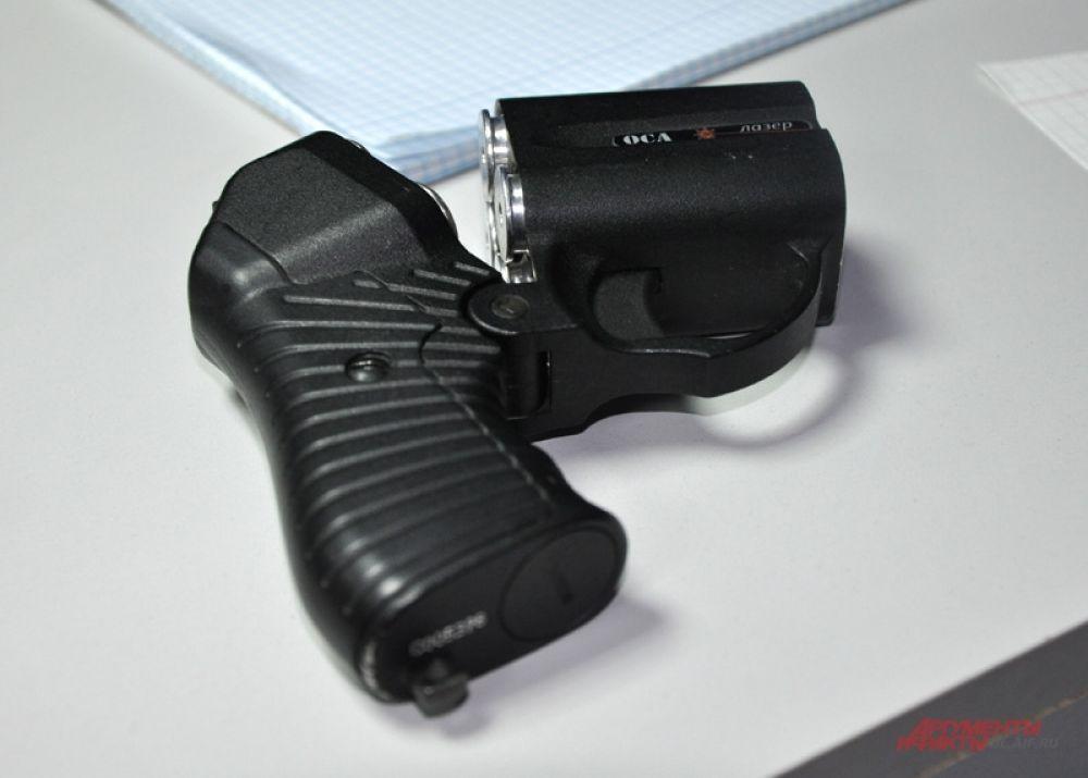 У одного из посетителей заведения был обнаружен травматический пистолет.
