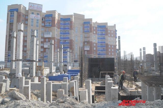 В Омской области активно строят жилые дома.