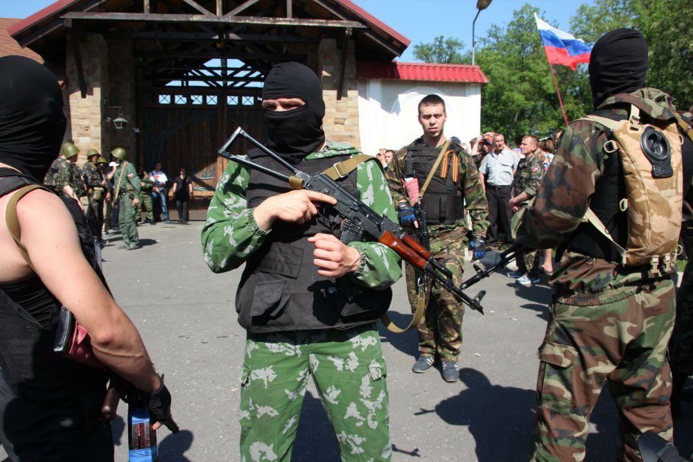 Боевики у имения Рината Ахметова в Макеевке