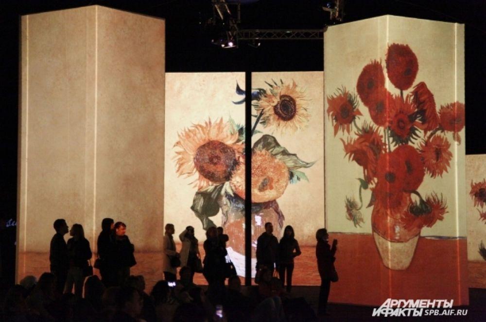 Прежде чем открыться в Петербурге, выставка побывала в Москве.