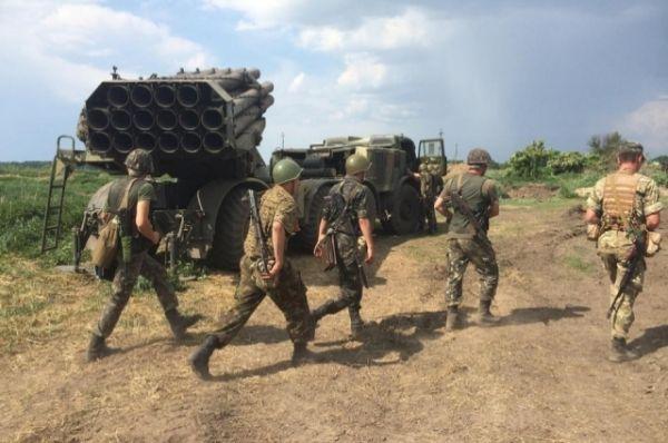 Танки и БМП украиских силовиков