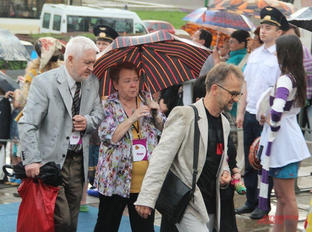 Члены жюри фестиваля – те, что из местных.