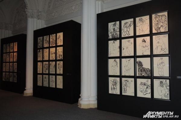 Выставку открывают графические работы.