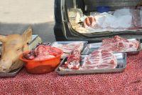 Покупая свинину - обязательно требуйте ветеринарные сопроводительные документы .