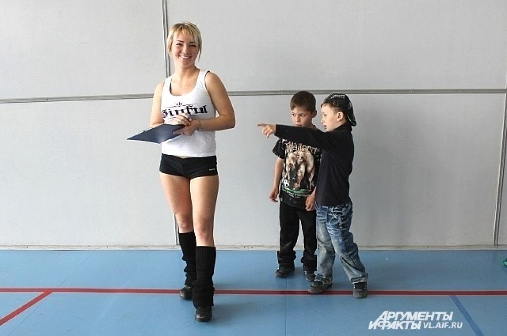 Взрослые пришли на фитнес-марафон «подкованными».